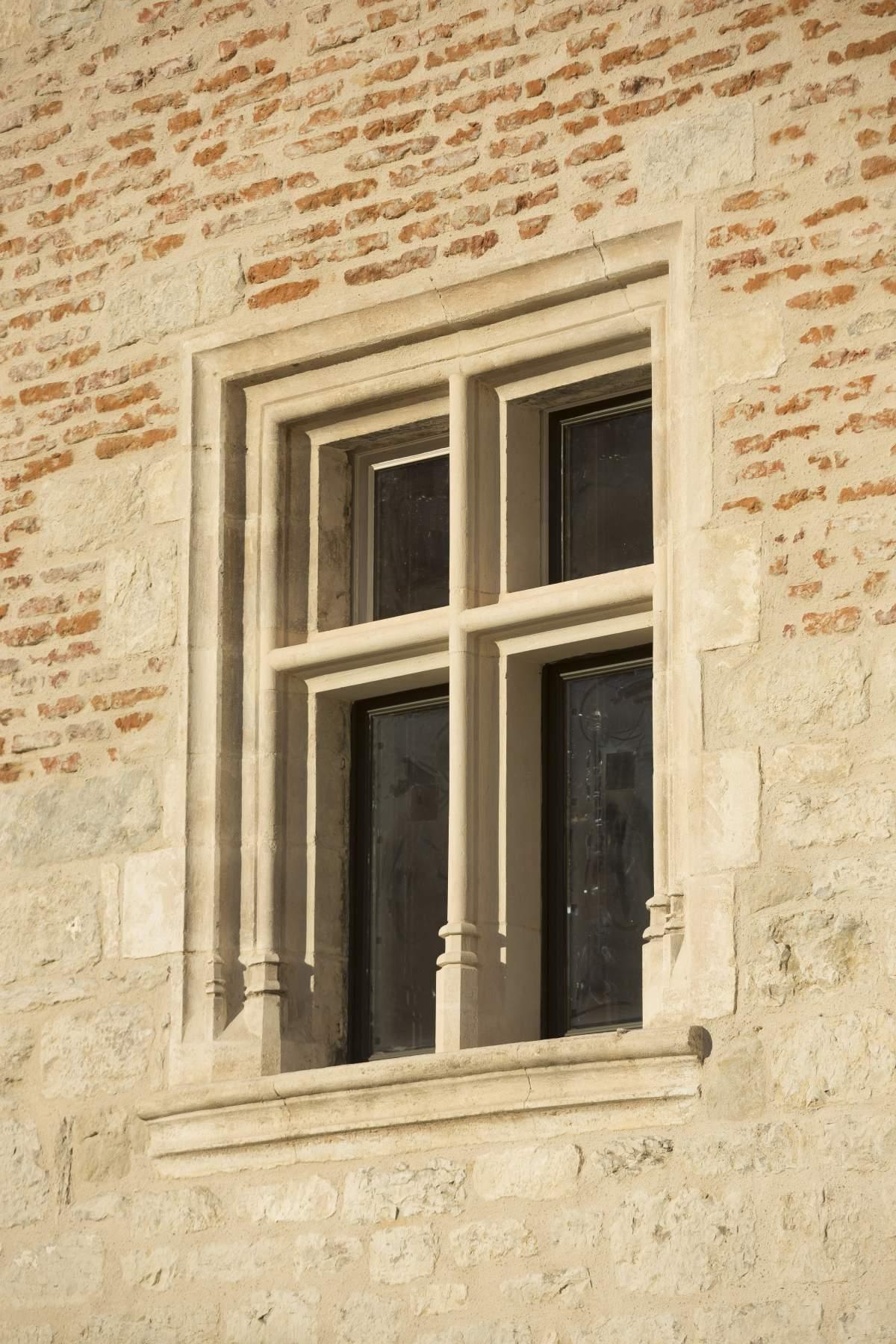 Encadrement De Fenetre Facade fenêtre à meneau style renaissance | occitanie pierres